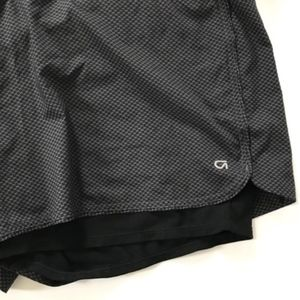 RUNNING SHORTS NWT